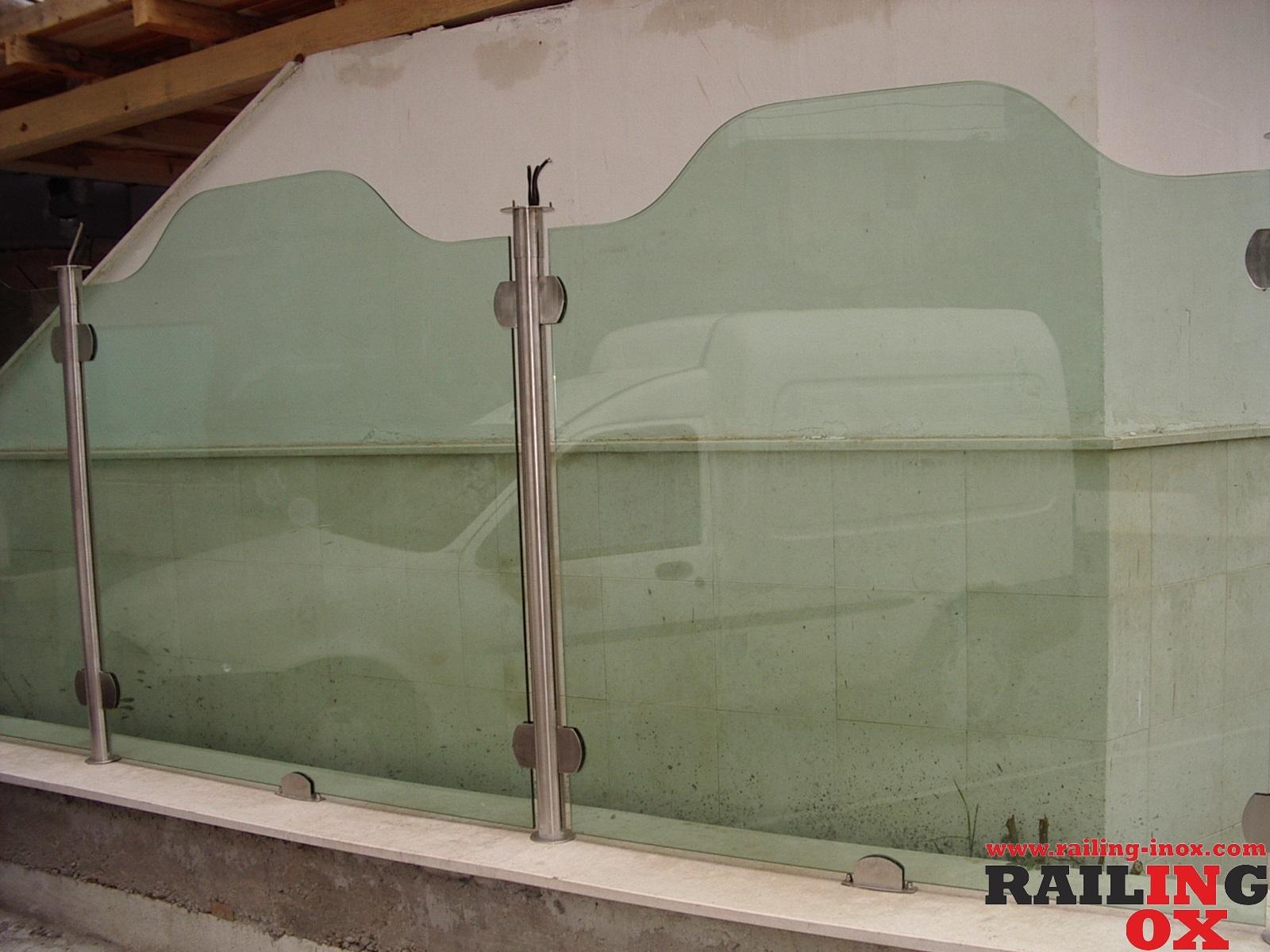 Парапети INOX и стъкло