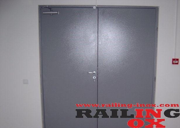 Метални пожароустойчиви врати