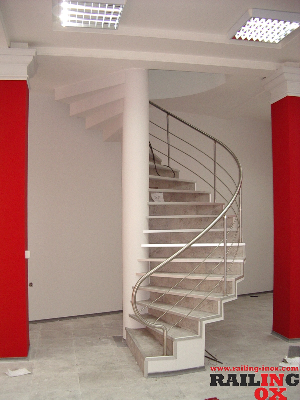 STRAIGHT OR SPIRAL STAIRS