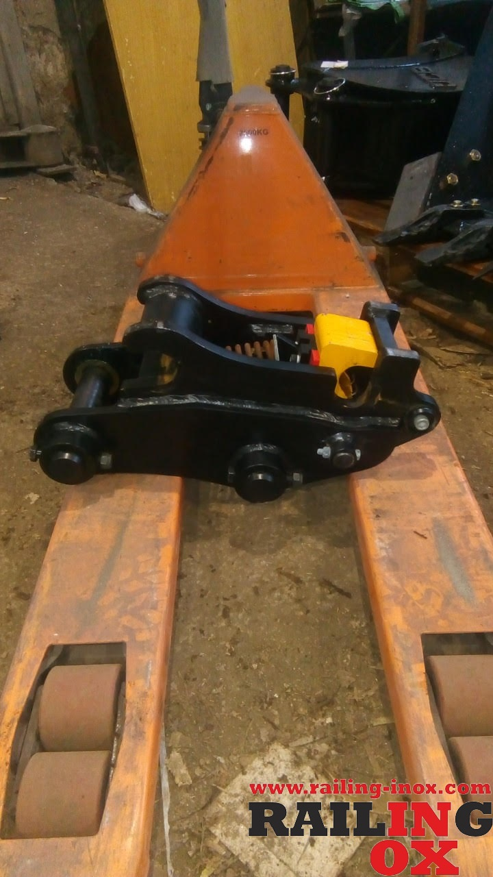 Attachments for heavy machinery